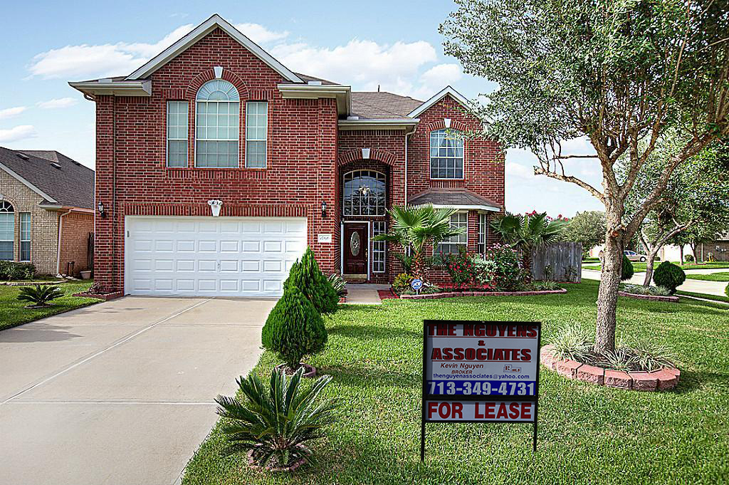 14810 Horse Creek Ln, Sugar Land, TX 77498.