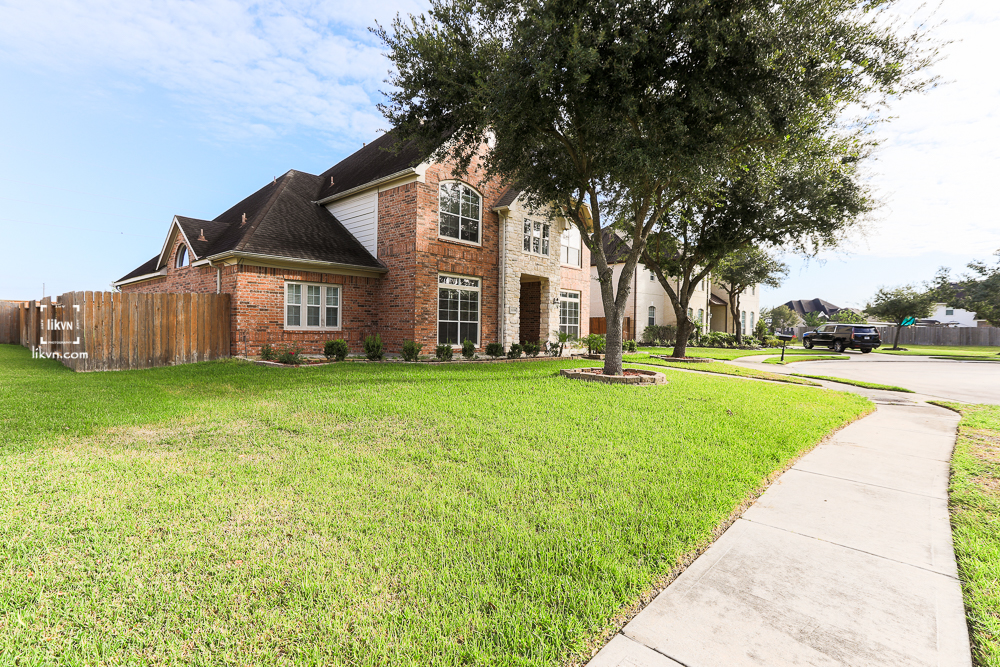 15106 OLDTOWN BRIDGE CT, SUGARLAND TX 77498.